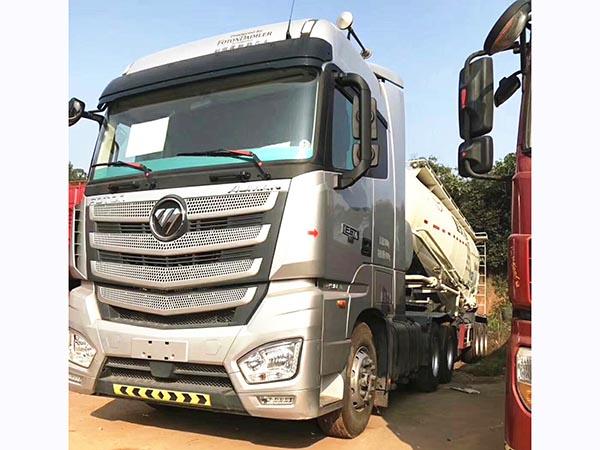 国五欧曼EST半挂水泥罐车、490bob客户端。国五排放。465免后桥。